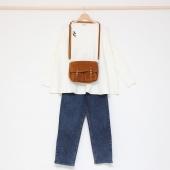 • t e n u e  d u  j o u r •  sac #CRAIE pull #ORFEO pin's #DESPETITSHAUTS jeans #MOSSCOPENHAGEN baskets #VEJA  douce journée ensoleillée !  #lesvoltigeuses #ruedespetitesecuries #paris10 #boutiqueparis #boutiqueenligne #boutiqueparisienne #tenuedujour #tenuedujourbonjour #ideedelook #lookdujour #orfeo #craiestudio #mosscopenhagen #despetitshauts #veja #conceptstore